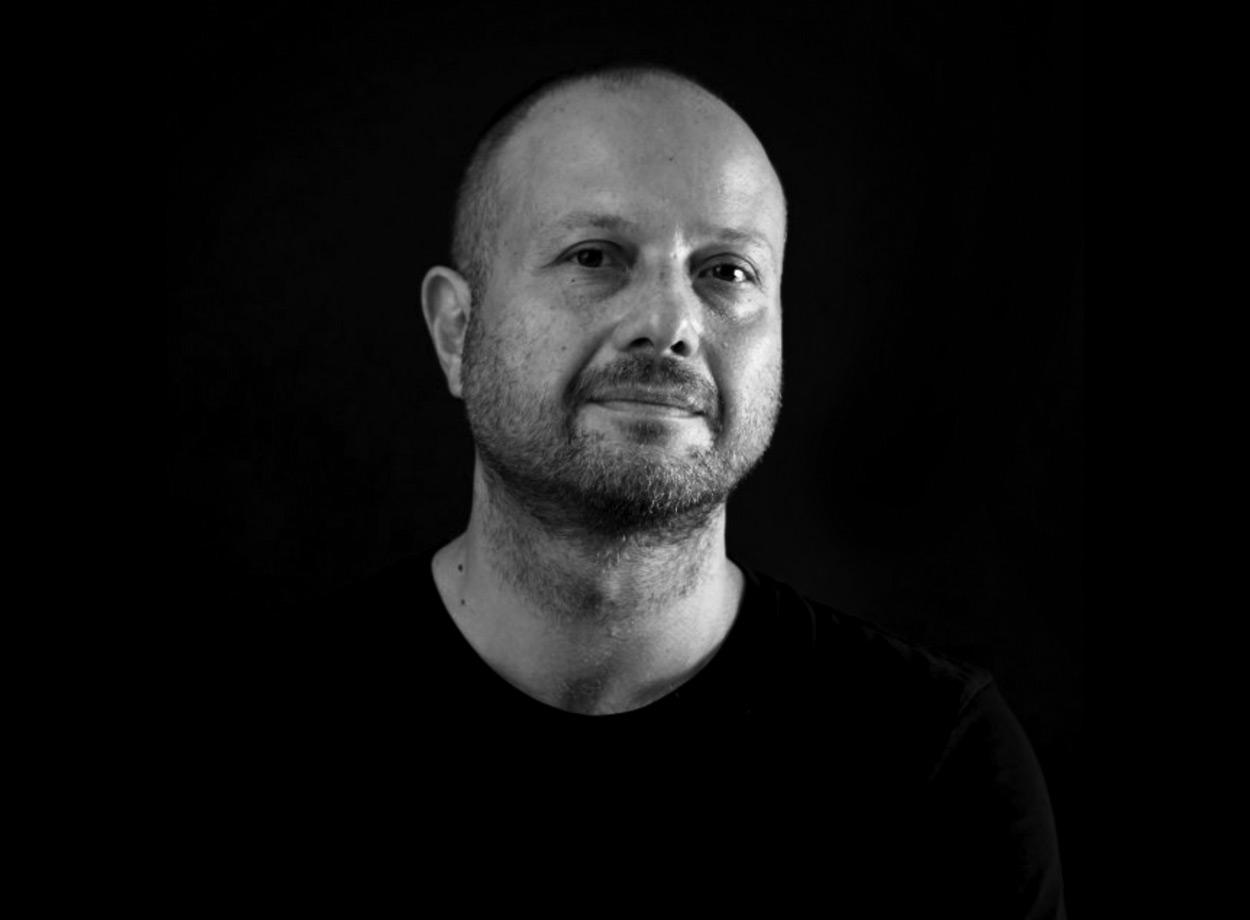 Chrisafis Chrisafis - Senior Creative Director